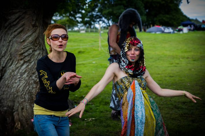Just before the hand-fasting starts Adrianna and Venus gave us a quick dance.